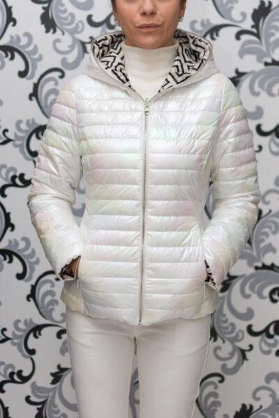 Пролетно бяло яке с качулка