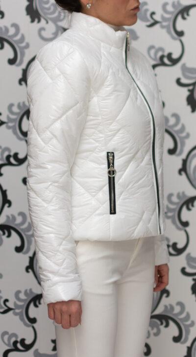 Бяло пролетно яке - лачено