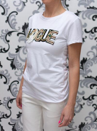 Бяла блуза с декорация