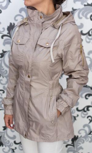 Дамско тънко яке с качулка